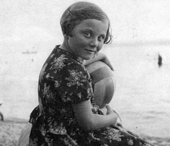 Trude Silman as a child in 1936. (c) HSFA